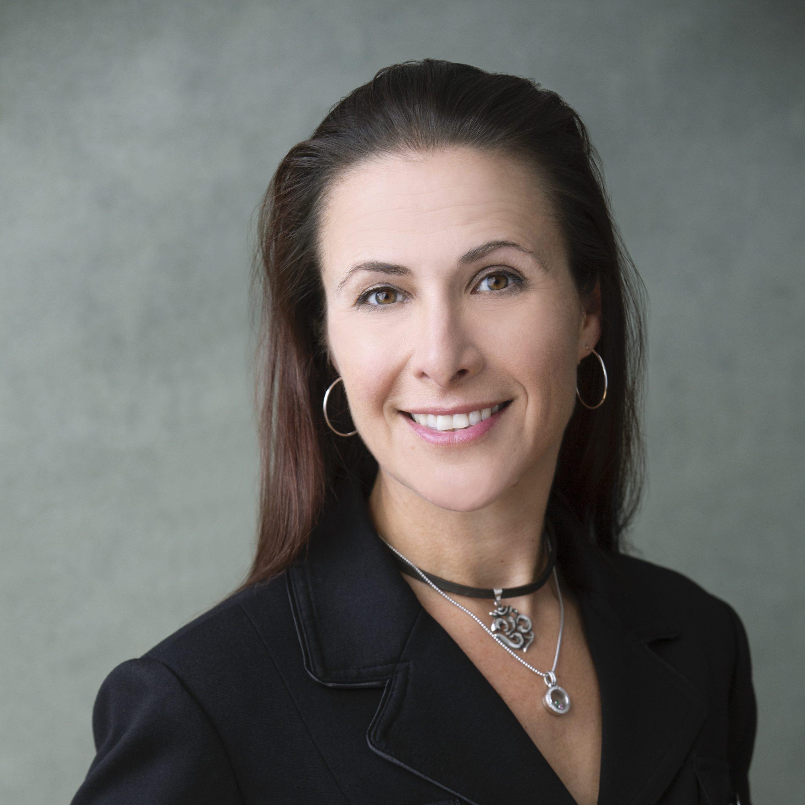 Andrea Aragon headshot